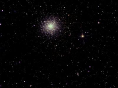 """<a href=""""http://saplimoges.fr/limage-du-mois-de-juillet-2009-le-grand-amas-dhercule/""""><b>M13 / NGC 6205 / Grand amas d'Hercule, traitement Iris (©2009 Jean-Pierre Debet, saplimoges)</b></a>"""