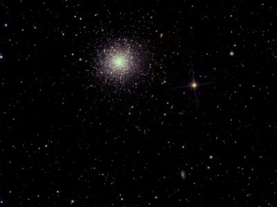 M13 / NGC 6205 / Grand amas d'Hercule, traitement Iris (©2009 Jean-Pierre Debet, saplimoges)