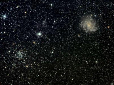 NGC 6946 et NGC 6936 / Galaxie du Feu d'Artifice et amas ouvert NGC 6936 dans Céphée (© 2011 Jean Pierre Debet, saplimoges)