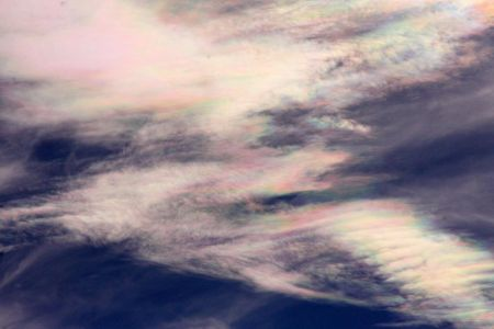 Nuages iridescents (© 2011 Michel Vampouille, saplimoges)