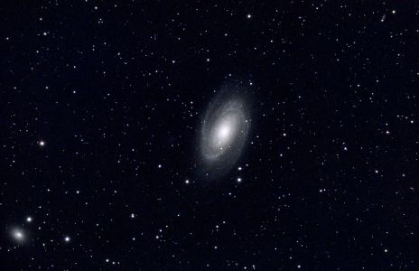 La Galaxie M81 (©2020 Thierry Barrault, saplimoges)