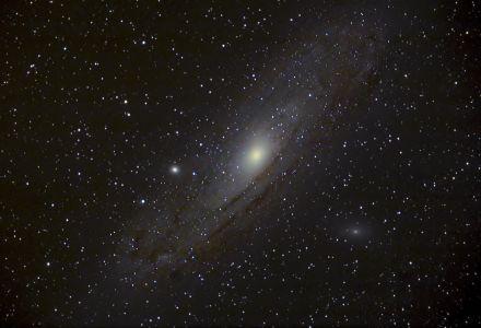 """<a href=""""http://saplimoges.fr/limage-du-mois-de-fevrier-2013-la-galaxie-dandromede/""""><b>M31 : la galaxie d'Andromède (©2013 Michel Tharaud, Saplimoges)</b></a>"""