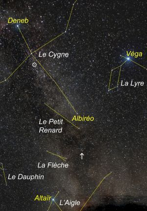 """<a href=""""http://saplimoges.fr/limage-du-mois-de-septembre-2015-la-voie-lactee/""""><b>Le Triangle d'été (© 2013 Michel Tharaud, saplimoges)</b></a>"""