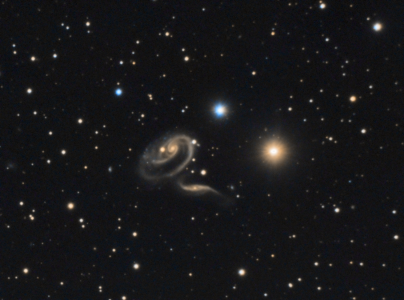PGC 8961 et 8970 Duo de Galaxies (© 2014 Jean Pierre Debet, Saplimoges)