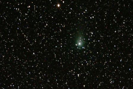 """<a href=""""http://saplimoges.fr/limage-du-mois-de-septembre-2011-la-comete-c2009-p1-garradd/""""><b>Comète C/2009 P1 - Garrad (©2011 Michel Tharaud, Saplimoges)</b></a>"""