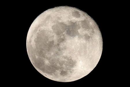 Pleine Lune (© 2011 Michel Tharaud, saplimoges)