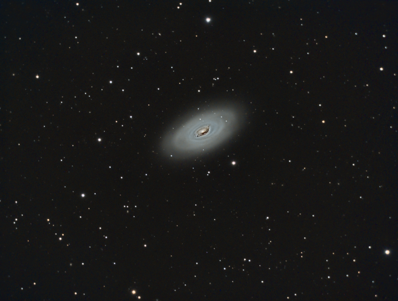 M64 Gros plan de la Galaxie de l'Oeil Noir